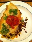 Quessadilla, salsa et coriandre fraiche