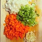 Hacher: légumes et ail
