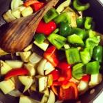 Ajouter les poivrons et courgettes