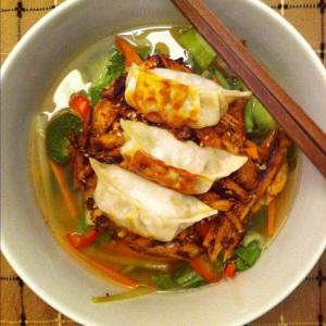 Soupe-repas asiatique