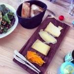 Planche de fromage et pain maison