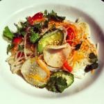 Nouilles et légumes marinés