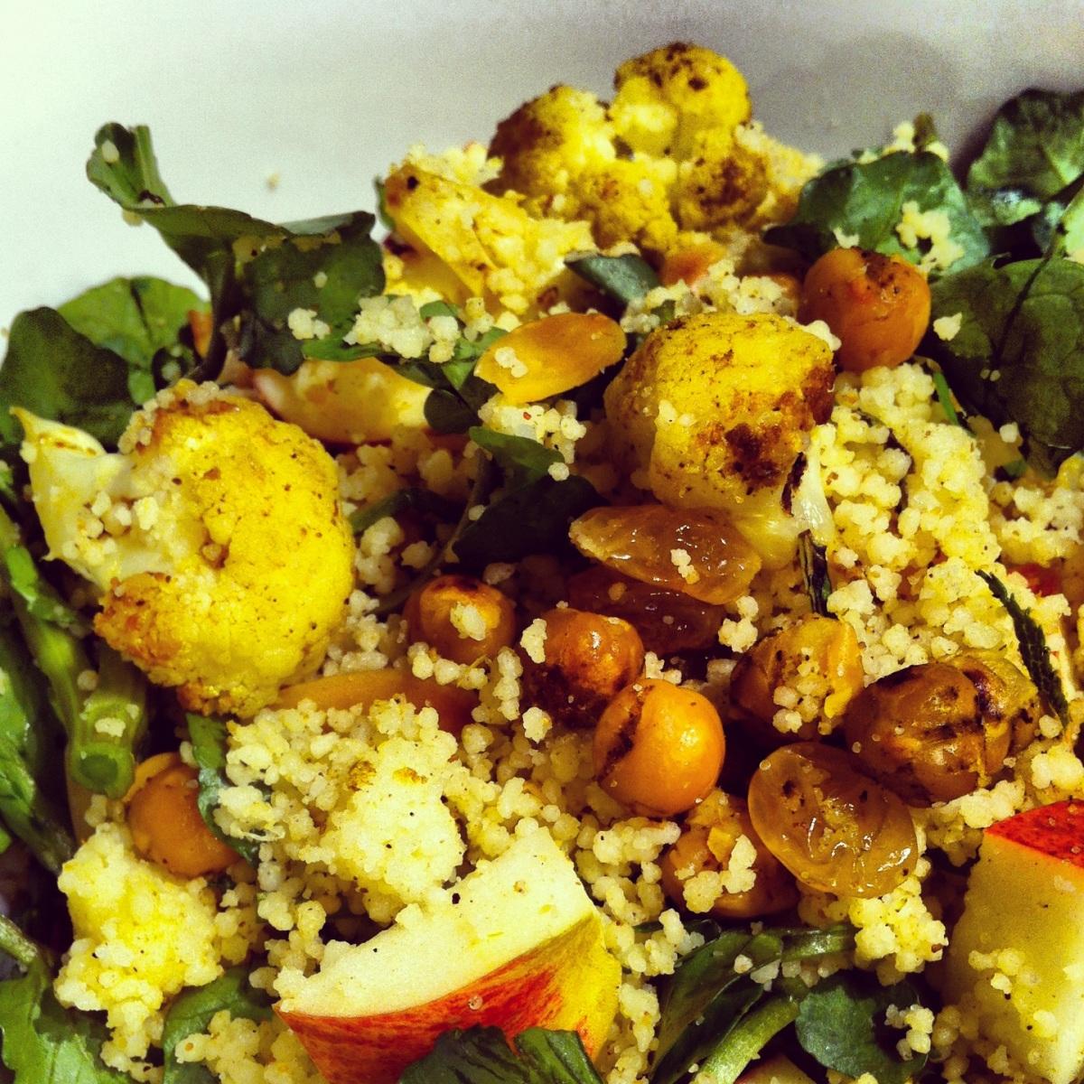 Série BBQ- Salade de couscous, chou-fleur et pois chiches au cari