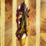 Tartine 1: finir avec les asperges et du poivre