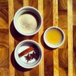 Sucre, anise étoilée, cannelle et vinaigre de cidre